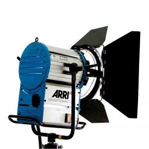 ARRI DAYLIGHT COMPACT 1.2 KW 300x300 - ARRI DAYLIGHT COMPACT 1.2 KW